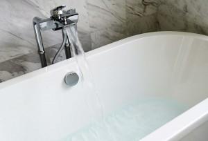 epsom salt bath tub